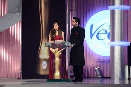 Award Presenters Mahnoor Baloch and Humayun Saeed