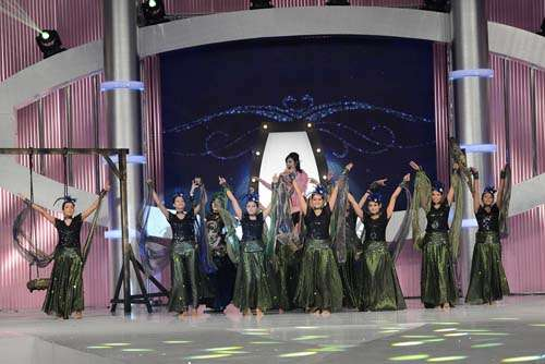 Dance Performance featuring Mehwish Hayat (6)