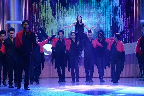 Finale Dance Performance featuring Sara Loren (4)