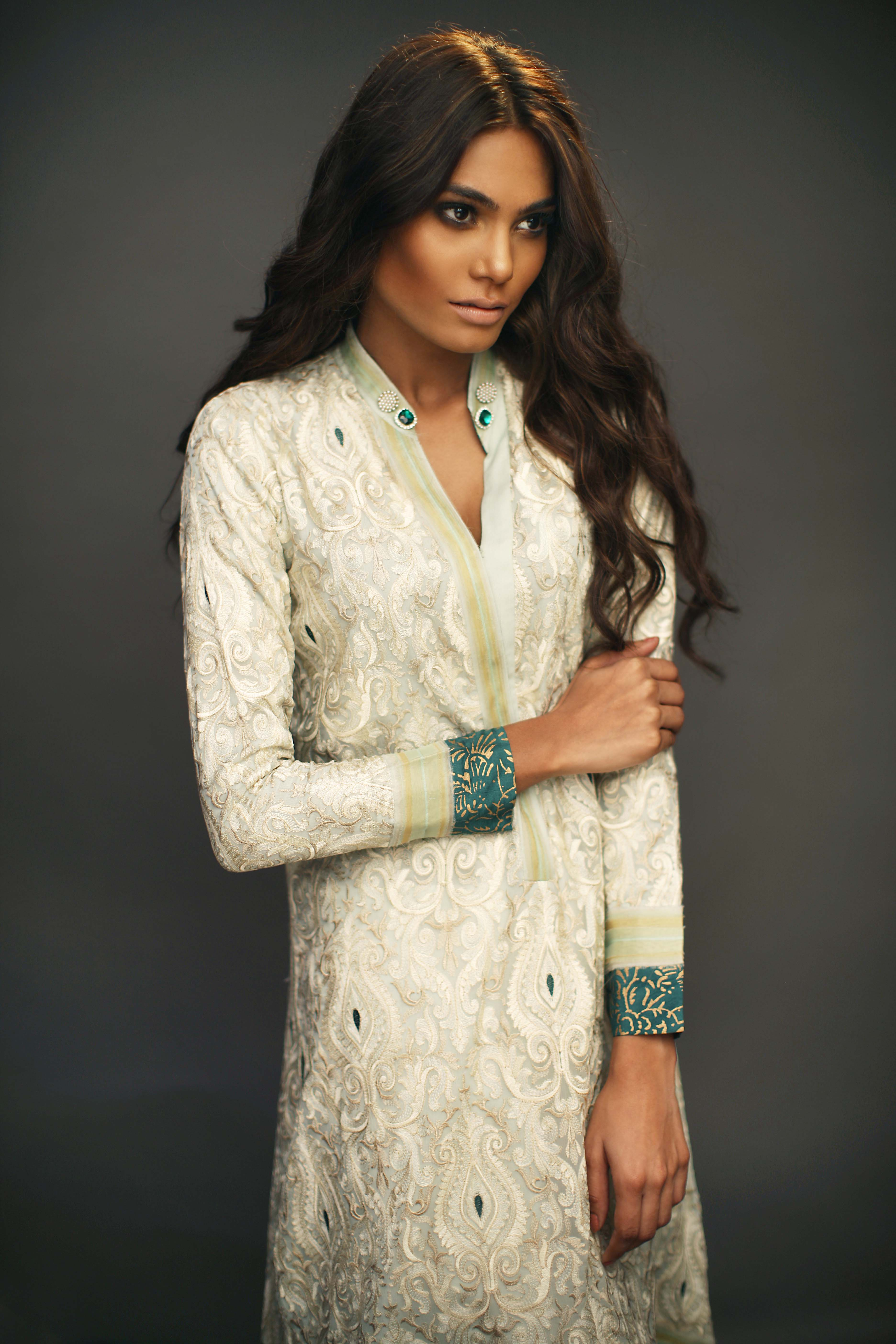 Sania Maskatiya - _Bar-e-Sagheer_ Eid Collection (9)