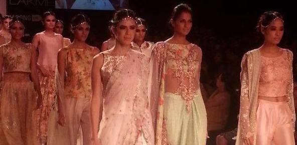 Zara Shahjahan at Lakme Fashion Week