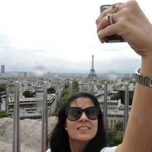 The Parisian Selfie