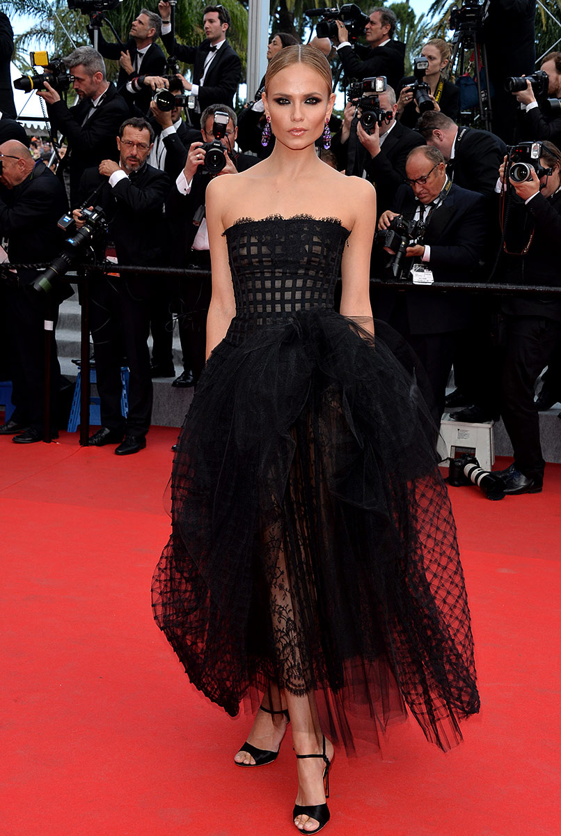 cannes-film-festival-2014-natasha-poly-in-oscar-de-la-renta-dress