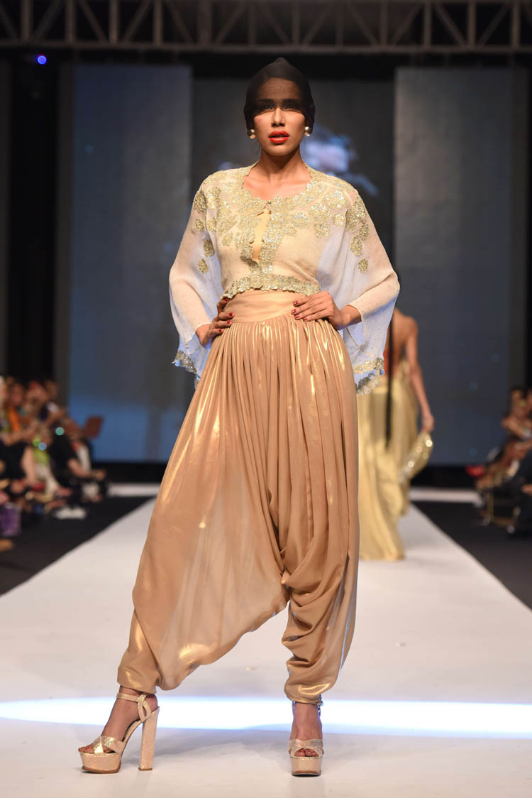 Maheen Khan FPWAW14