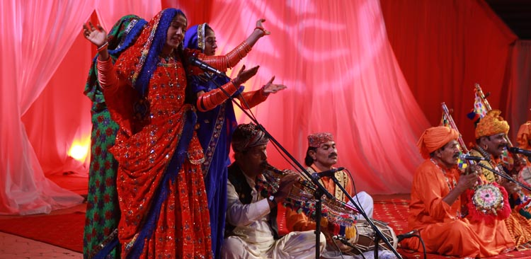 Sindhi Dancers