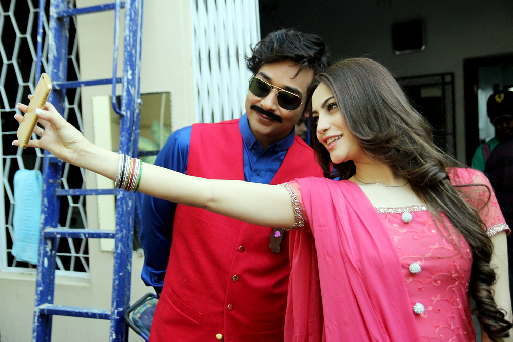 Faysal Quraishi and Neelam Munir on the sets of upcoming serial Aashiq Hussain
