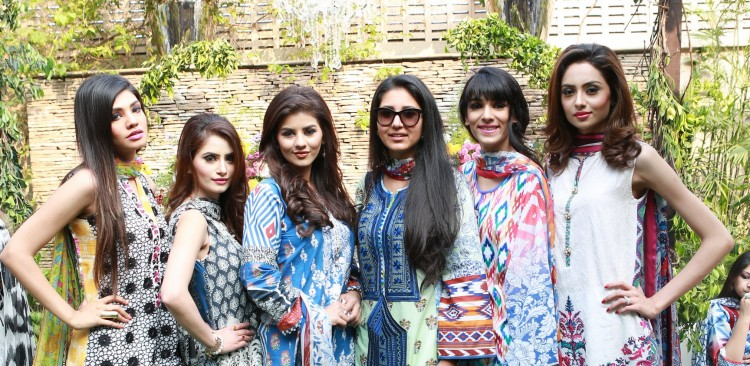 Designer Zara Shahjahan and models wearing Zara Shahjahan Lawn 2015