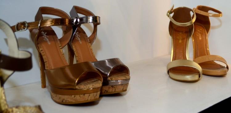 insignia heels