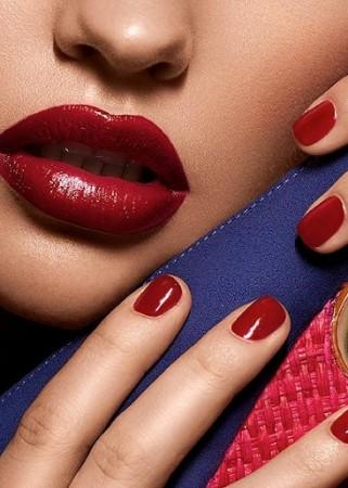 matching-lipstick-nail-polish