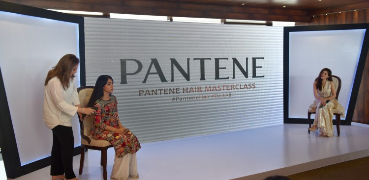 Demonstration at Pantene Masterclass