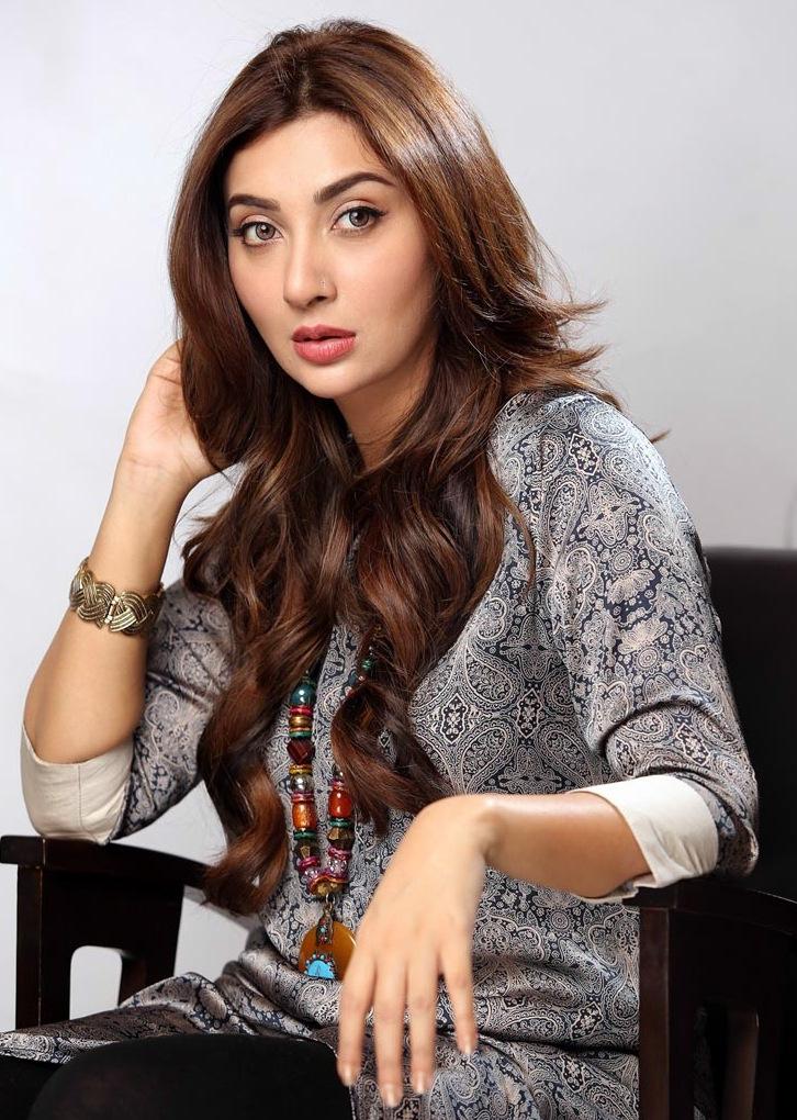 Ayesha-Khan-as-Jeena-1