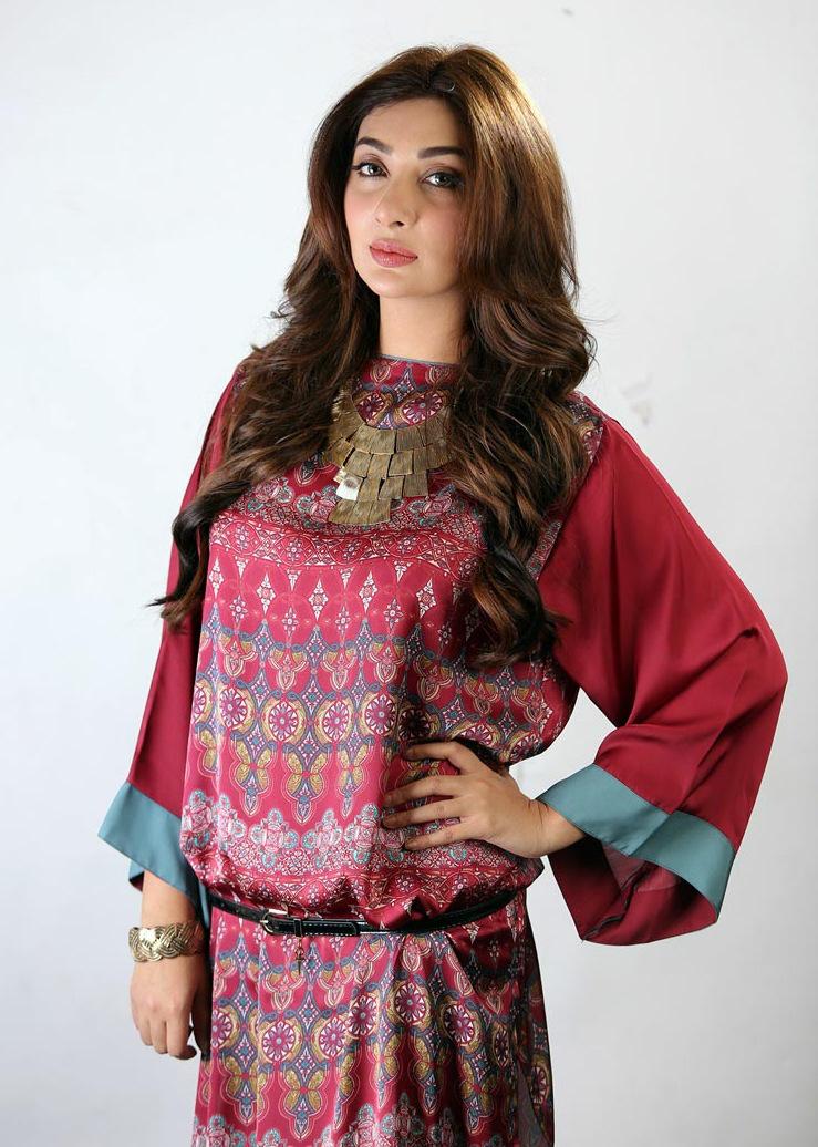 Ayesha-Khan-as-Jeena-2