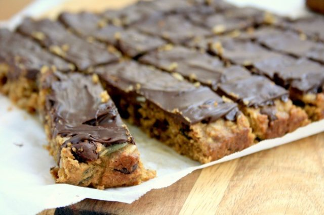Dark Chocolate & Peanut Butter Energy Bar