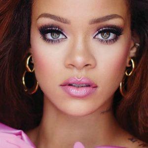 pink lids - fall makeup trends 2018