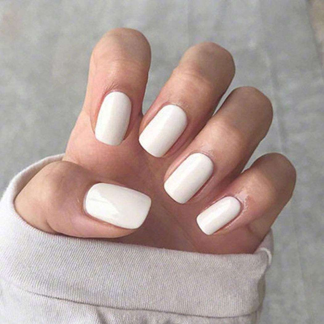 nail color trends white