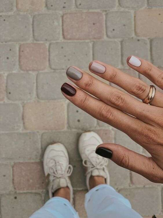 NEUTRALS: nailpolishes