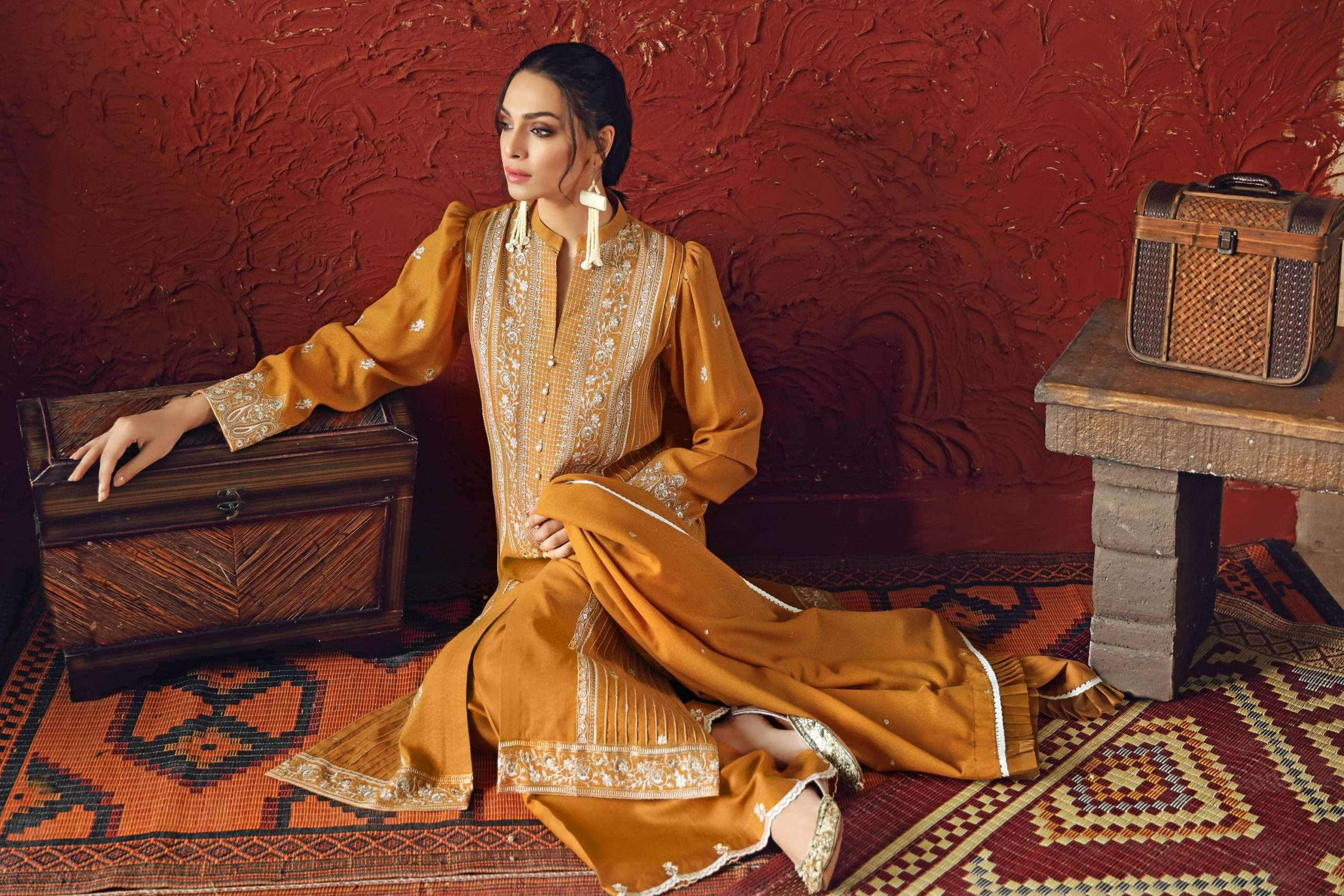 GUL AHMED WINTER COLLECTION 2020: Puff Sleeves