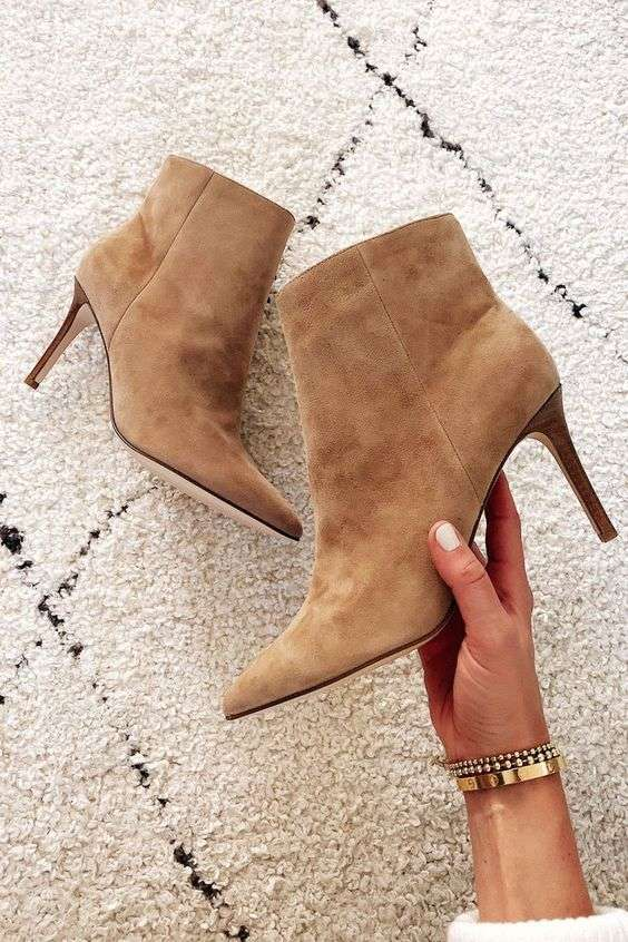 NEUTRALS: suede ankle boots