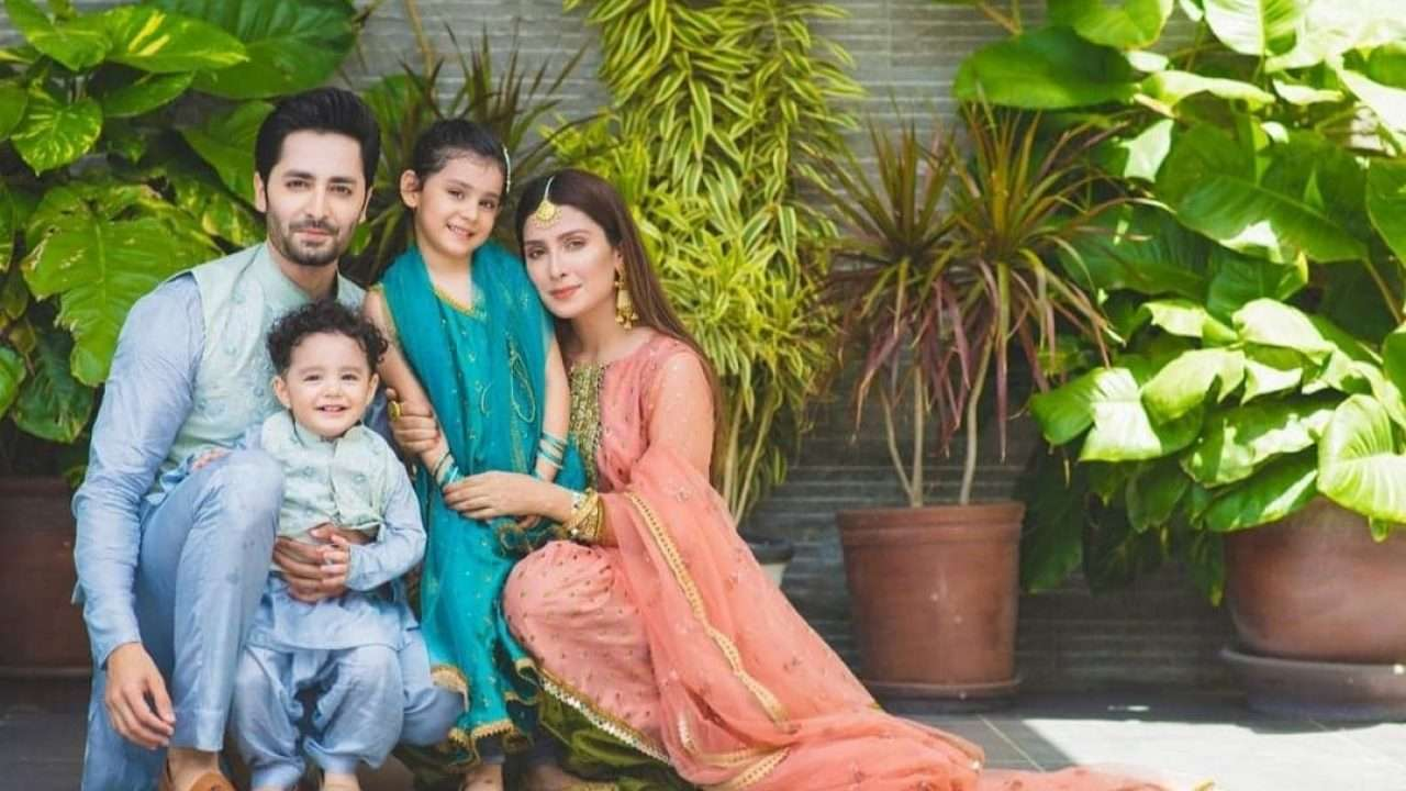 ayeza khan and family