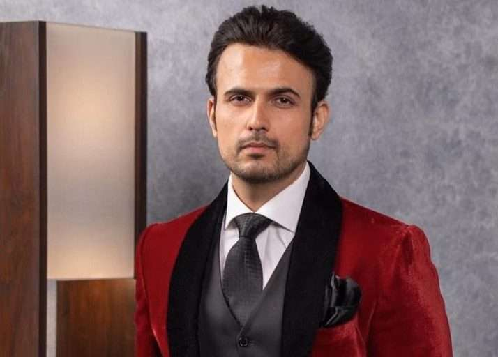Usman Mukhtar to appear alongside Mahira Khan